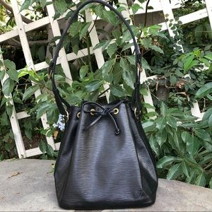 💯 Authentic Louis Vuitton Epi Noe Black Noir 🖤🖤
